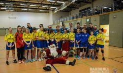 Der Weihnachtsmann bei den Handballern